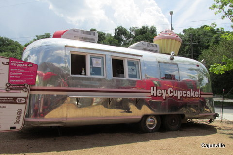 Hey Cupcake - one of the many food trucks